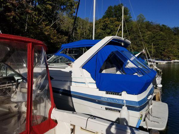 Used Bayliner 2850 Ciera Express Cruiser Boat For Sale