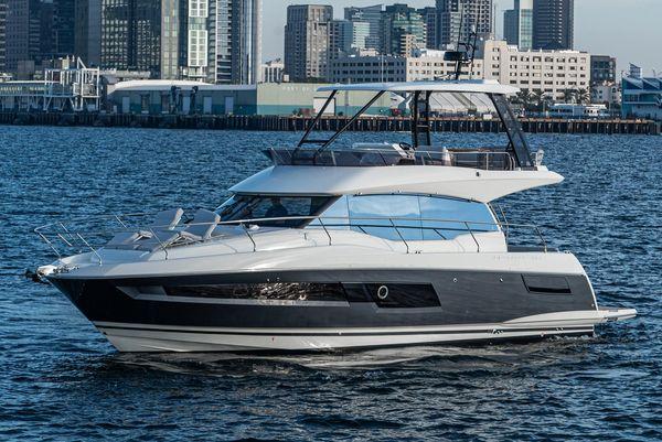 New Prestige 460 Fly Flybridge Boat For Sale