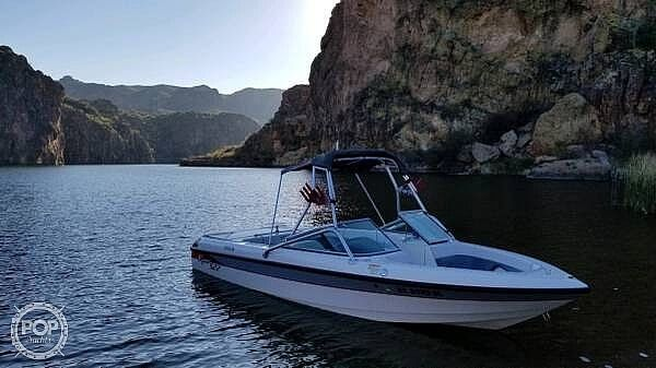 Used Epic S22 Ski and Wakeboard Boat For Sale