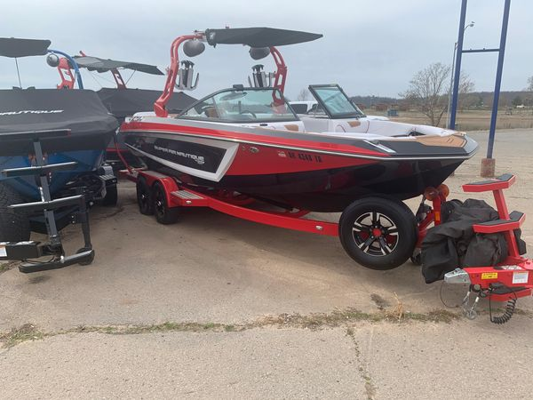 Used Nautique GS22 Ski and Wakeboard Boat For Sale