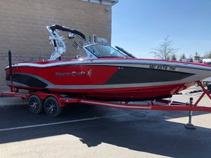 Used Mastercraft X26 Ski and Wakeboard Boat For Sale