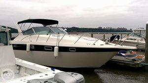 Used Maxum 3200 SCR Express Cruiser Boat For Sale