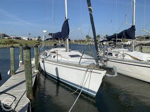 Used Hunter Legend 35.5 Racer and Cruiser Sailboat For Sale
