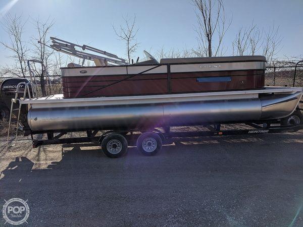 Used Crest II 230 SLS Pontoon Boat For Sale