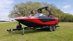 New Moomba Kaiyen Ski and Wakeboard Boat For Sale
