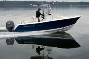 Used Sea Hunt Ultra 225 Ski and Fish Boat For Sale