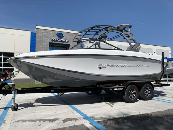 Used Nautique G21 Ski and Wakeboard Boat For Sale