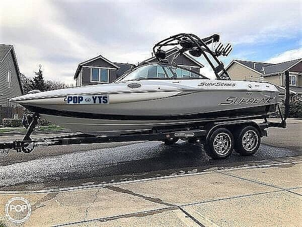 Used Supreme S211 Ski and Wakeboard Boat For Sale