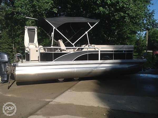 Used Bennington SLX 22 Pontoon Boat For Sale