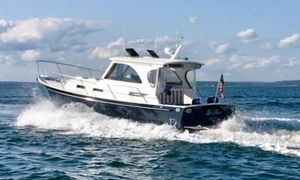 Used Legacy Yachts Hardtop Express Cruiser Boat For Sale