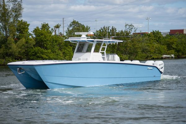 Used Invincible 40 Catamaran Center Console Fishing Boat For Sale