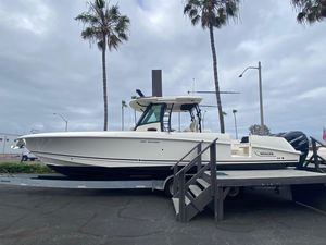 New Boston Whaler 350 Outrage Center Console Fishing Boat For Sale