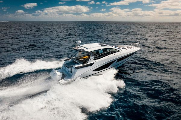 New Beneteau GT36 Express Cruiser Boat For Sale