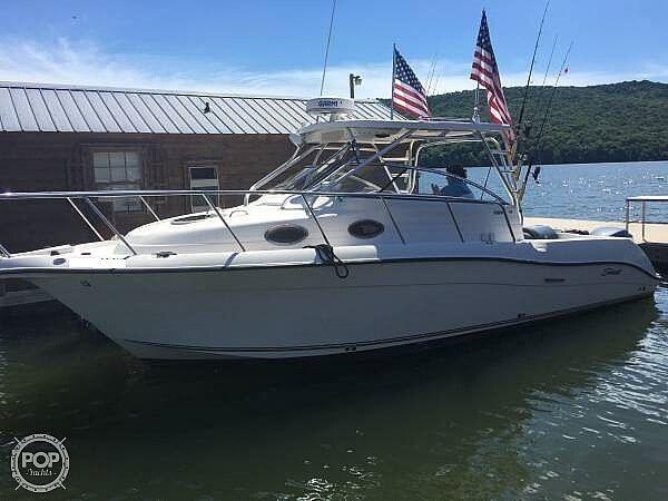 Used Seaswirl Striper 2901 WA Walkaround Fishing Boat For Sale