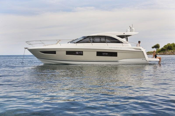 New Leader 46 Express Cruiser Boat For Sale
