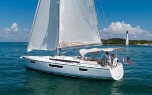 Used Jeanneau 440 Cruiser Sailboat For Sale