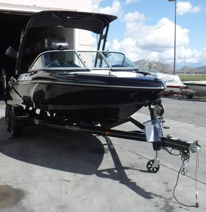 Used Sanger V-215 S Ski and Wakeboard Boat For Sale