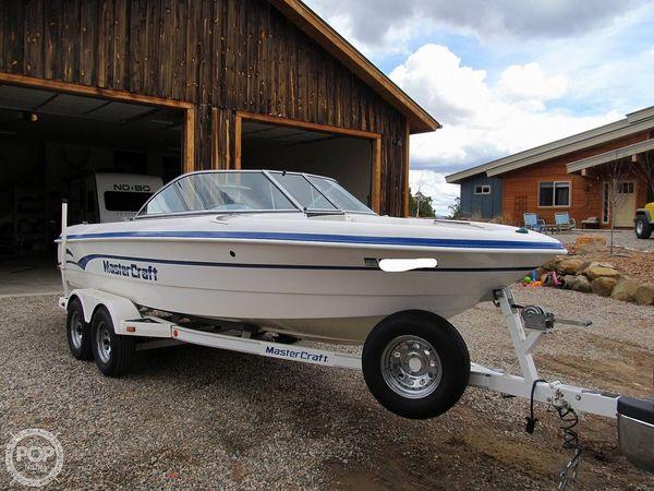 Used Mastercraft Prostar 205 Ski and Wakeboard Boat For Sale