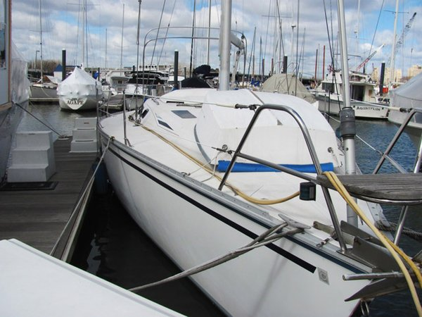 Used Hunter Legend Daysailer Sailboat For Sale