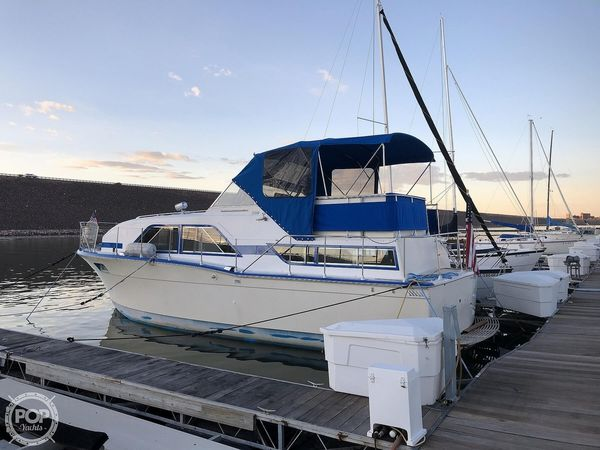 Used Chris-Craft 35 Double Cabin Express Cruiser Boat For Sale