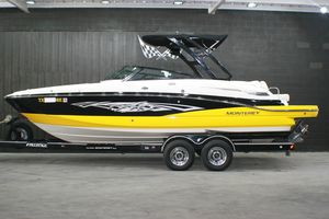 Used Monterrey M5 Ski and Wakeboard Boat For Sale
