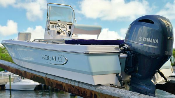 Used Robalo 206 Cayman S Bay Boat For Sale