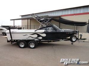 Used Calabria Cal-air Pro V Ski and Wakeboard Boat For Sale