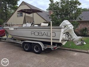 Used Robalo 2120 Center Console Fishing Boat For Sale