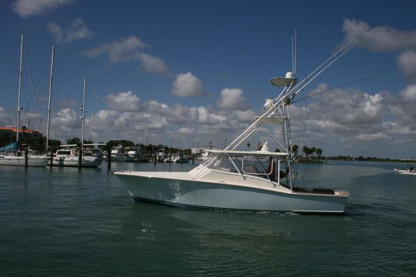 Used Gillikin Express Sport Fish Saltwater Fishing Boat For Sale