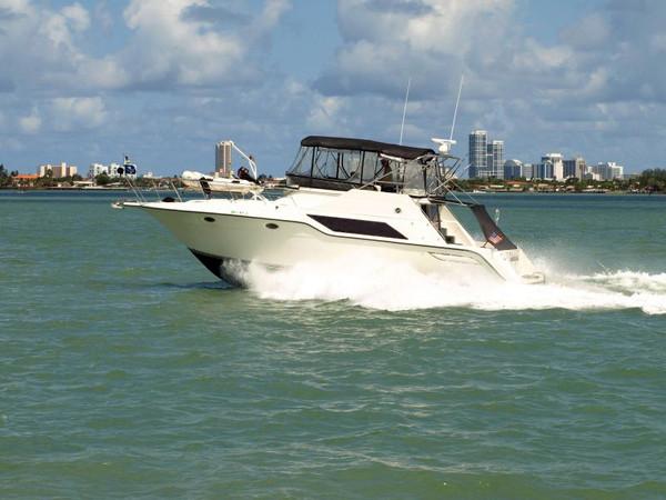 Used Cruisers 4280 Express Bridge Cruiser Boat For Sale