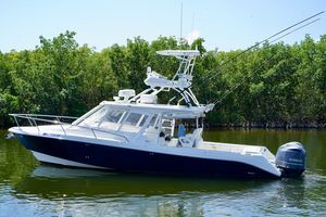 Used Everglades 350lx Saltwater Fishing Boat For Sale