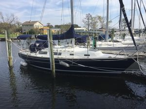 Used Sabre 32 Cruiser Sailboat For Sale