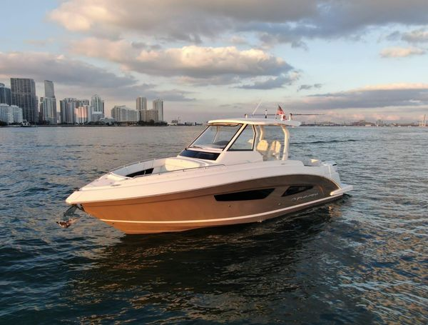 Used Regal 33 SAV Center Console Fishing Boat For Sale