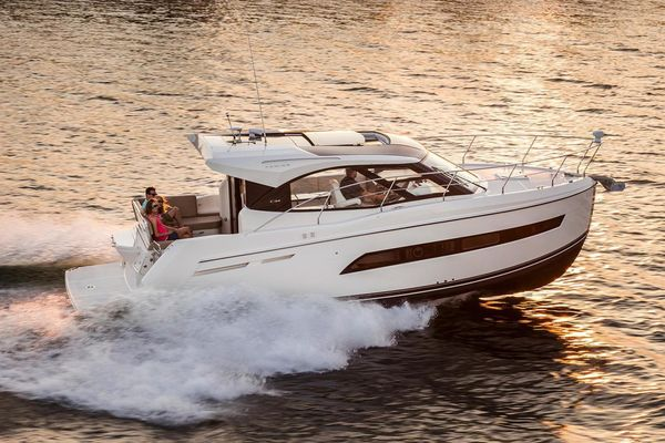 Used Carver Coupe Cruiser Boat For Sale
