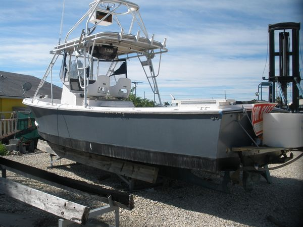 Used Shamrock CC Saltwater Fishing Boat For Sale