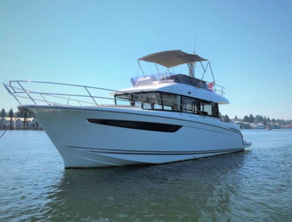 Used Jeanneau Velasco 43 Motor Yacht For Sale