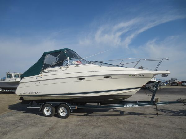 Used Wellcraft 2400 Martinique Power Cruiser Boat For Sale