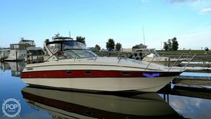 Used Larson 300 Contempra Express Cruiser Boat For Sale