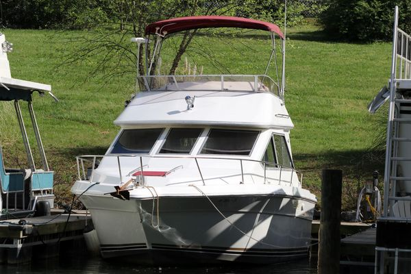 Used Sea Ray 300 Sedan Bridge Cruiser Boat For Sale