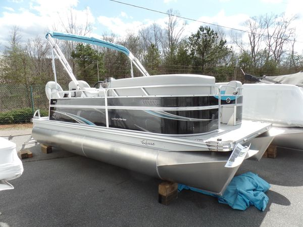 New Qwest LS 818 CTR Fishtail Pontoon Boat For Sale