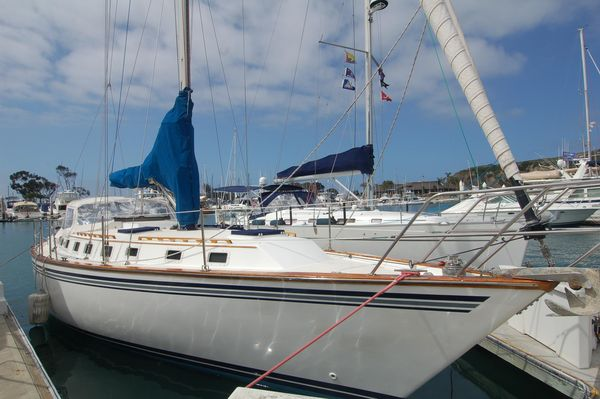 Used Endeavour 38 Cruiser Sailboat For Sale