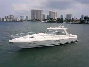 Used Intrepid 475 Sport Yacht Center Console Fishing Boat For Sale