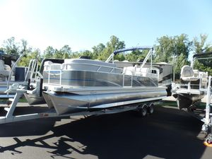New Qwest LS 822 Splash Pad Pontoon Boat For Sale