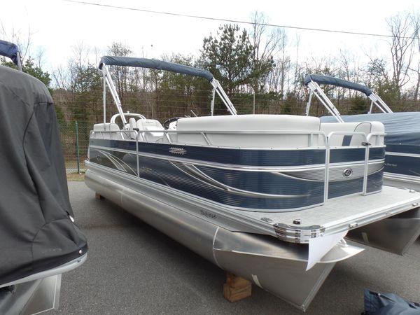 New Qwest LS 820 RLS Pontoon Boat For Sale