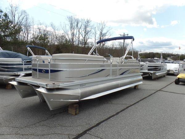 New Qwest LS 822 RLS Pontoon Boat For Sale