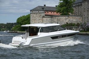 Used Jeanneau NC 11 Cruiser Boat For Sale