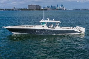 Used Hcb 5300 Suenos Center Console Fishing Boat For Sale