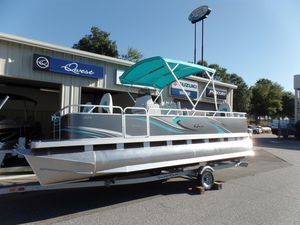 New Qwest Edge 820 4-Point Fish Pontoon Boat For Sale