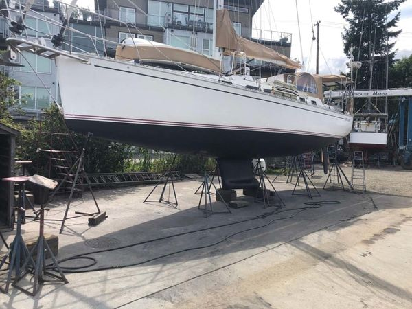 Used Saga 43 Sloop Sailboat For Sale