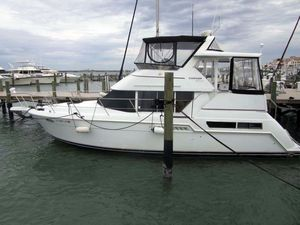 Used Carver 355 Motor Yacht Aft Cabin Boat For Sale